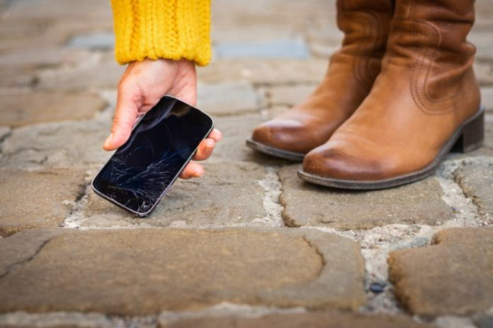 reparer écran smartphone cassé